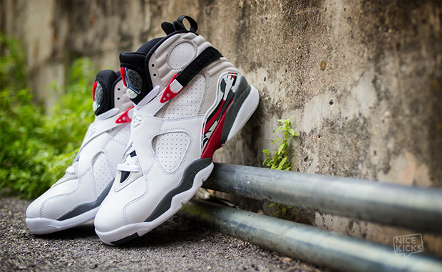 Air-Jordan-8-Bugs-Bunny-Another-Look
